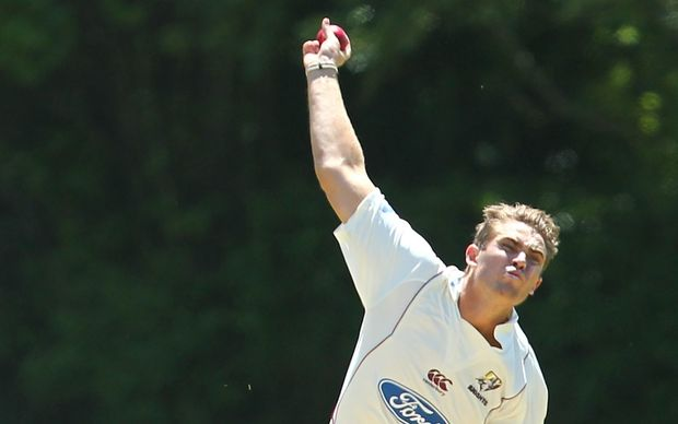 Luke Ronchi bats Wellington out of earlytrouble